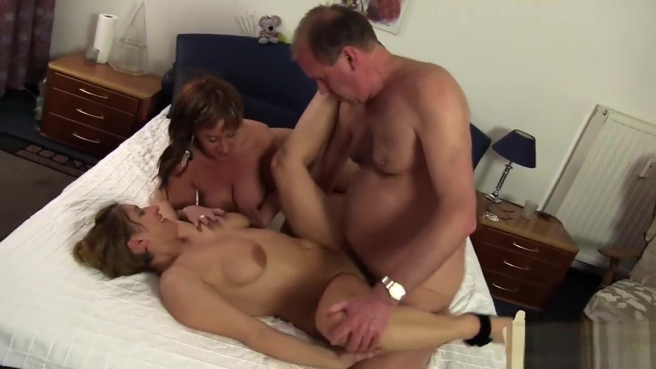 Hanns With Two Girls After Work hi class erotic massage parlour bangkok