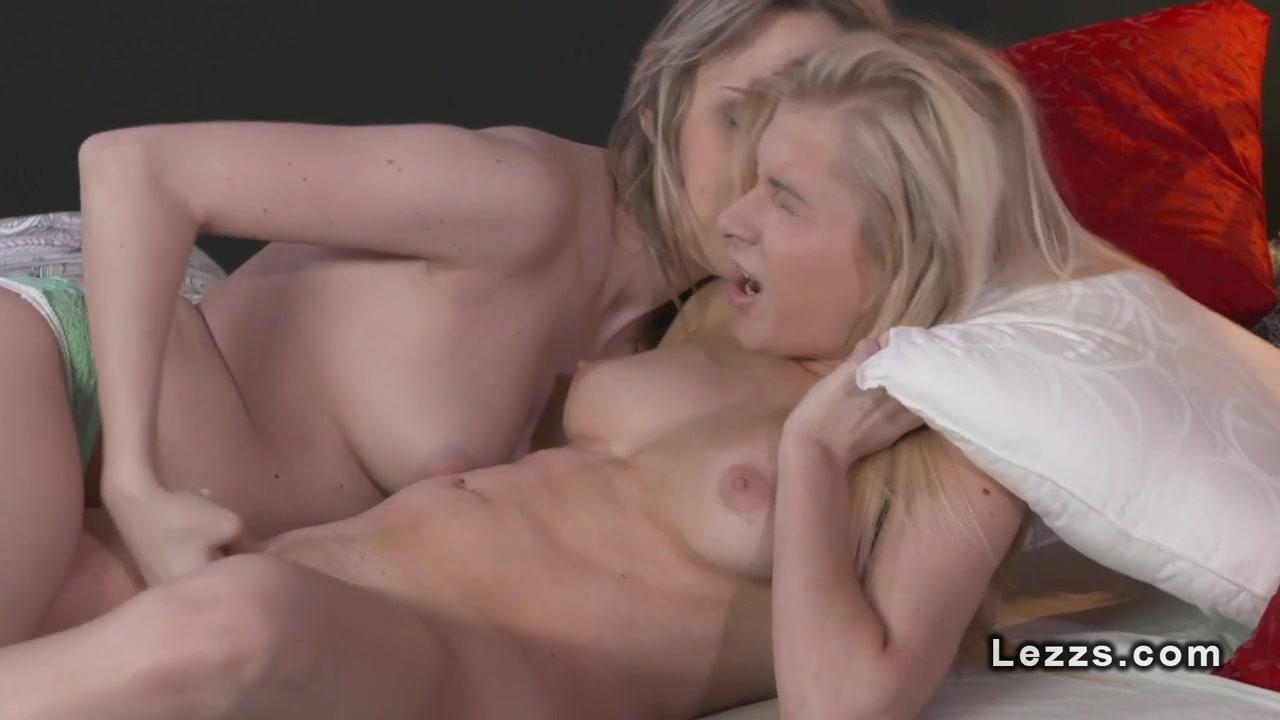 Lickinh Lesbain video sexu