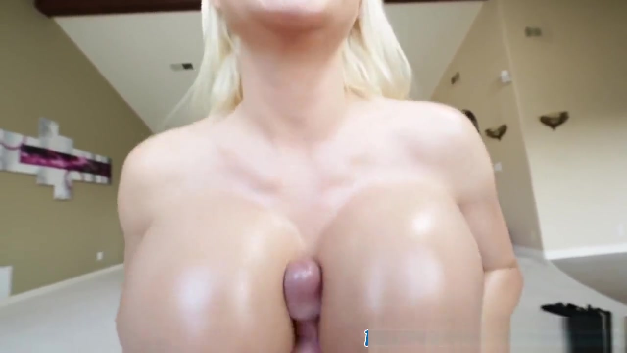 Naked FuckBook European glamour lesbian licks before toyplay