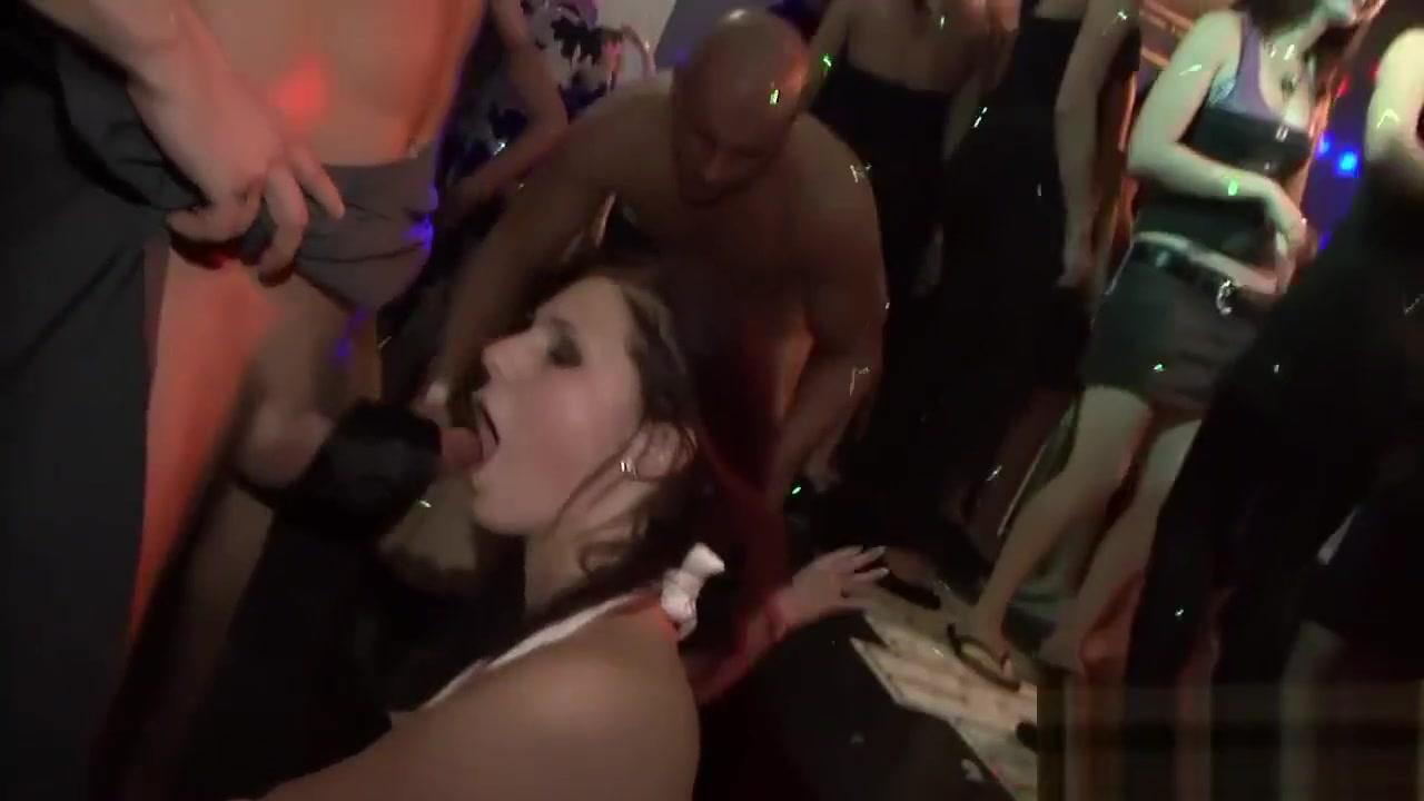 Double Trouble Lesbian Show Porn Pics & Movies