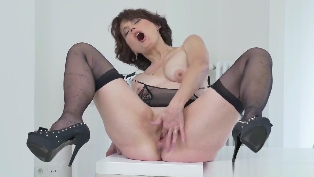 Porn clips Omegle webcam girls