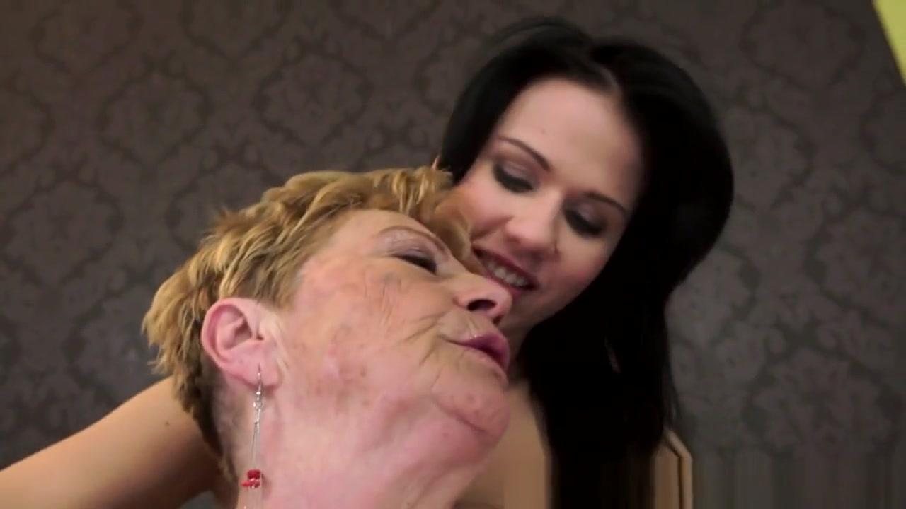 Fuckuf clit Lesbiana orgey