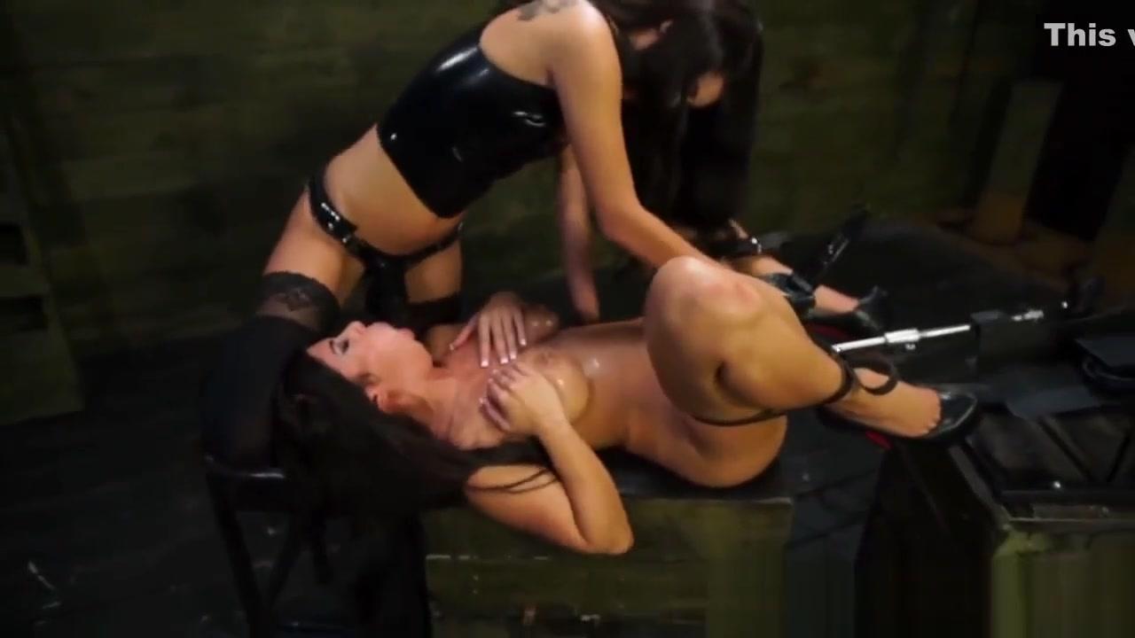 Tube women porn open
