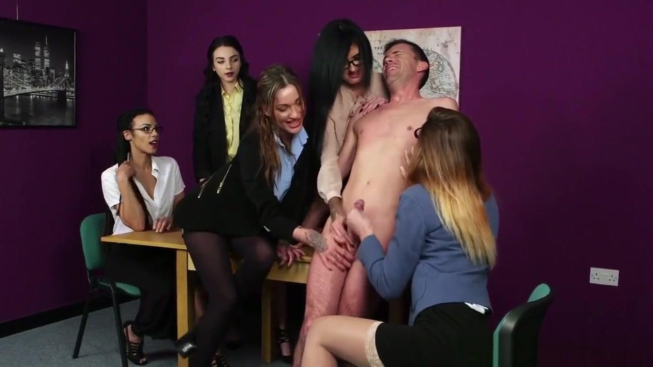 Hot porno Love to stroke my clit