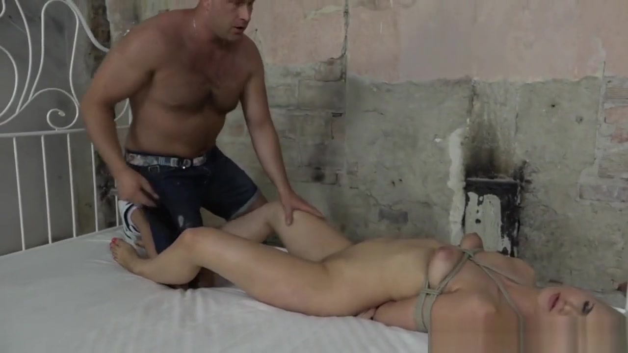 XXX Video Showing their pussy