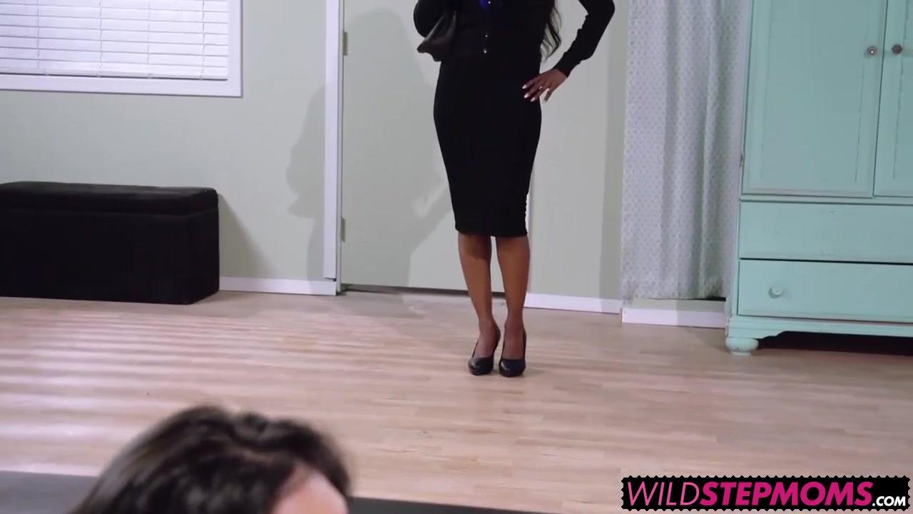 Adult videos Stud fucks busty blond milf