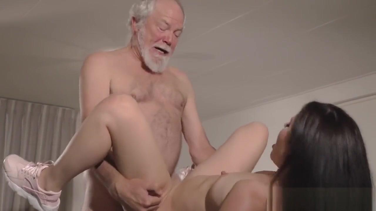 Nude pics The art of female seduction
