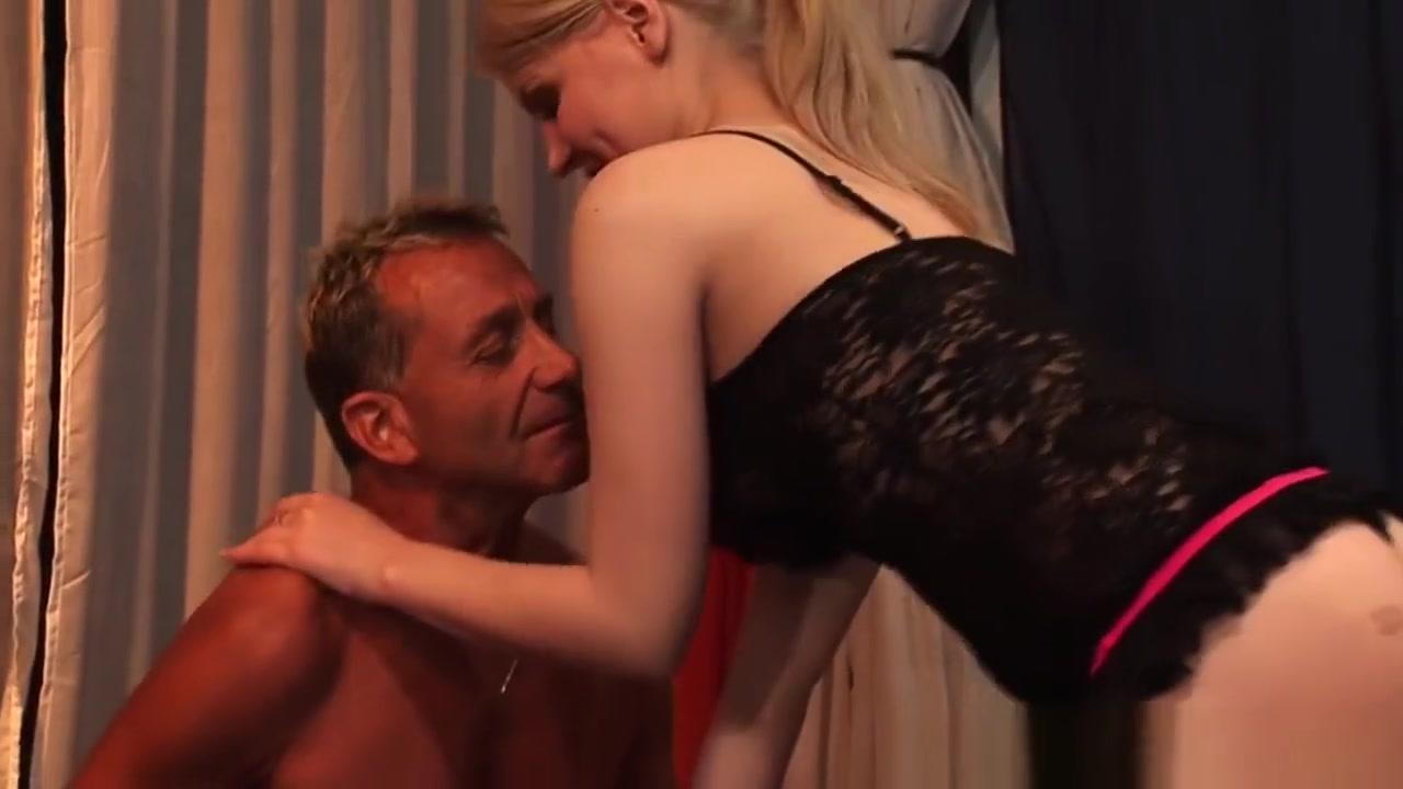 Hot milf show Sex photo