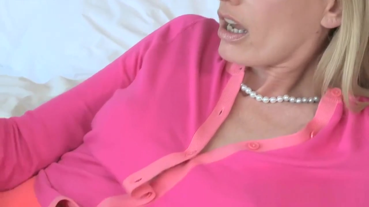 Sexy flexible woman fucked XXX Video