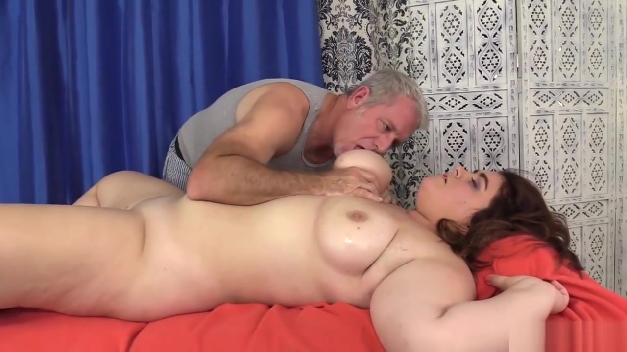 Cute And Chubby Maxi Pleasures Receives A Raunchy Rubdown Dirty blond milf assfuck by lover