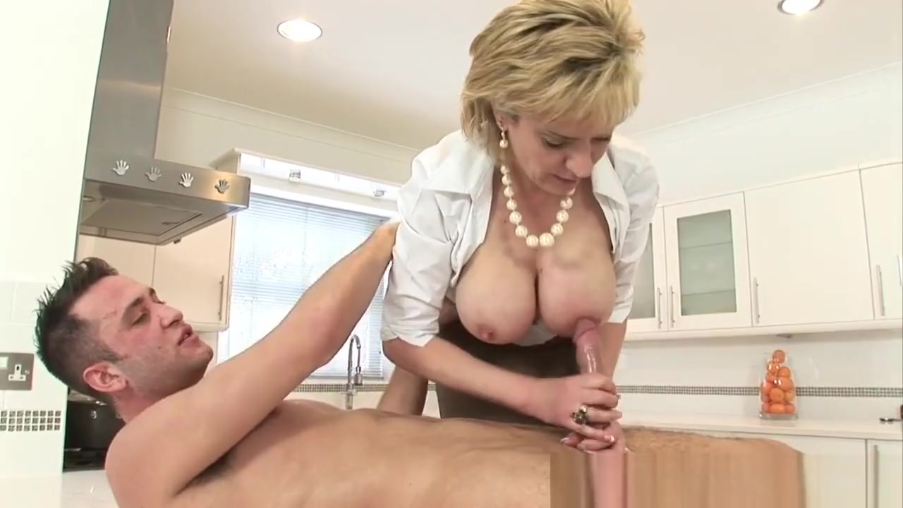 Porn tube Sara jean underwood naked video