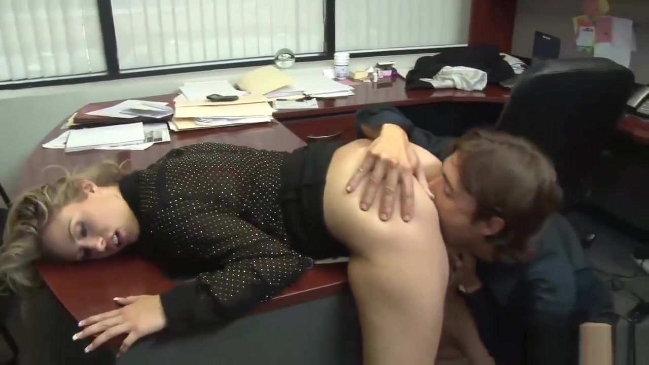 Nerdy Chick Knows How To Fuck Properly Licking Teen Ass Porn