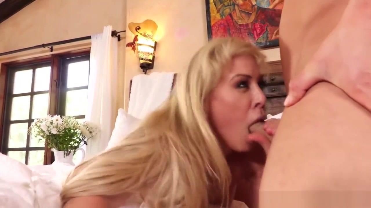 Williamsburg hook up bars Porn archive