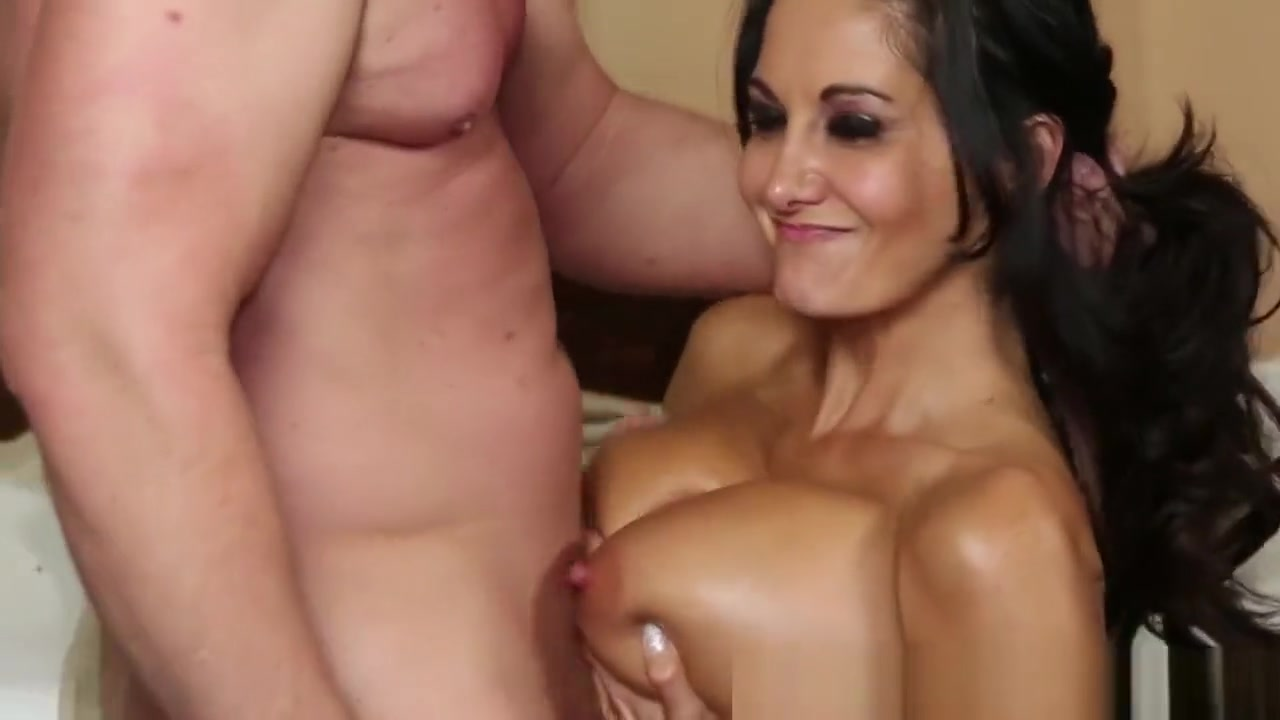 Busty Milf Tittyfucked On The Massage Table Polyamorous groups in ohio