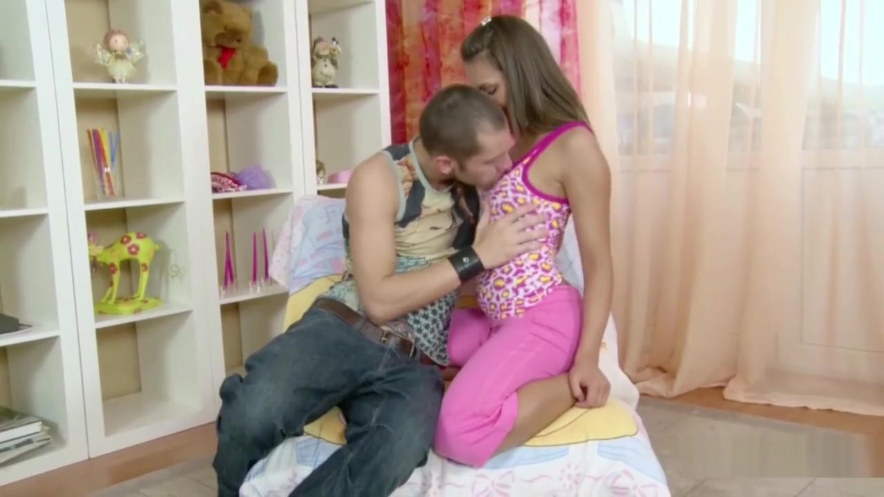 Brother Seduce Extrem Hot Step-sister To Fuck First Time