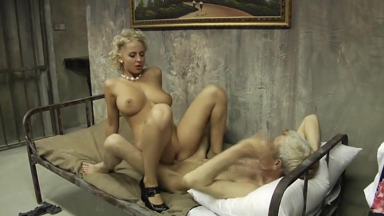 Hot Nude Sexy white girls big tits