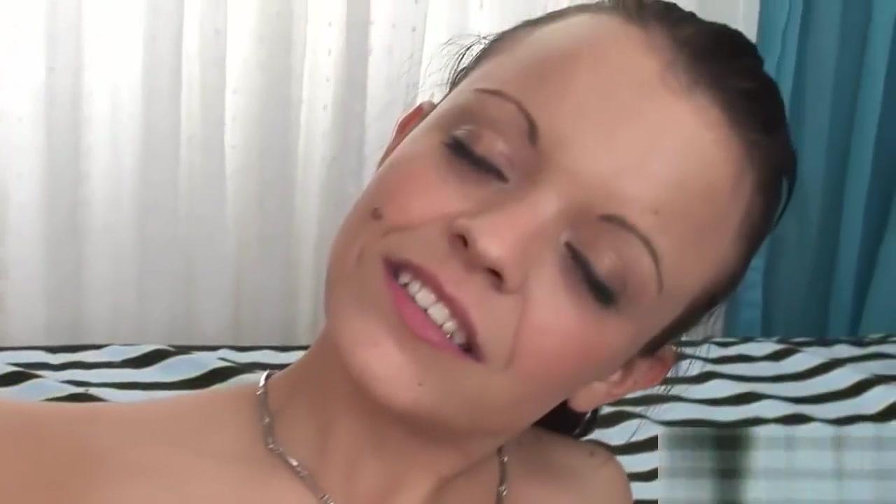 Brunete sex video xXx Pics
