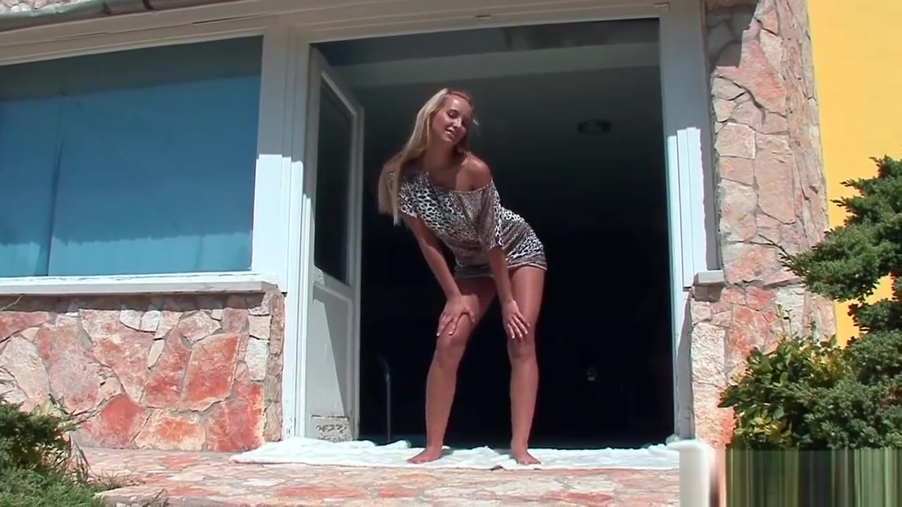 Naked xXx The beautiful grils sex moves