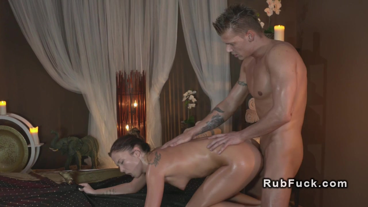 Adult sex Galleries Uma goes down on Riley