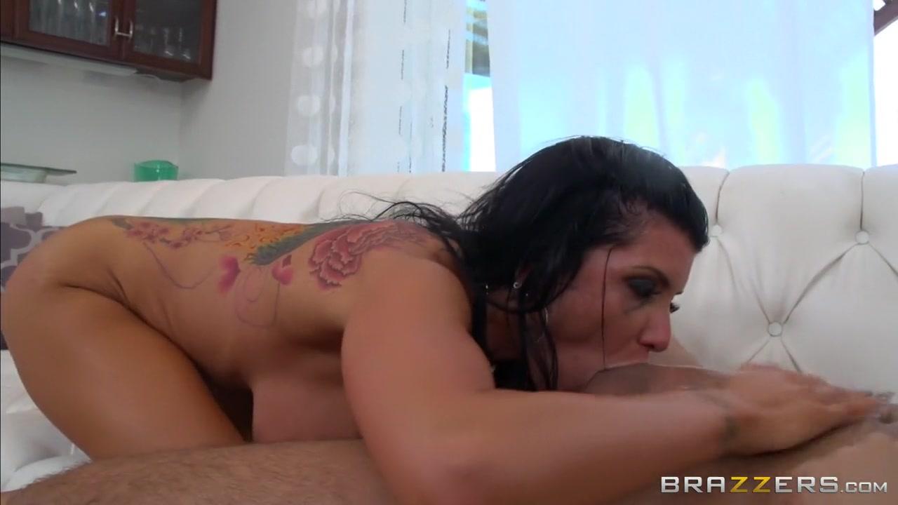 Mature couple goldenshower Porn clips