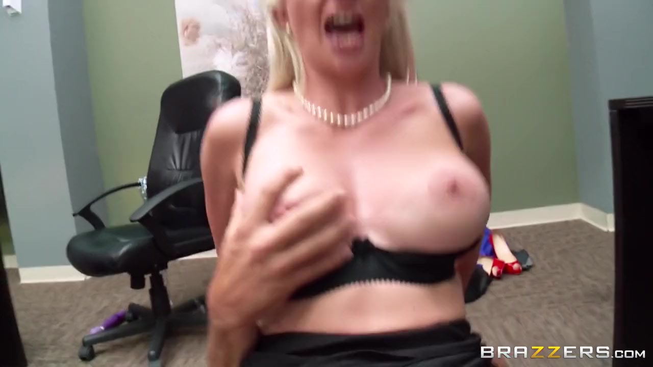 Naked Gallery Sexy oily massage milf