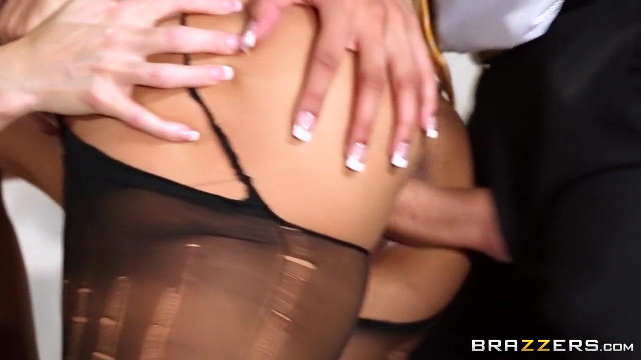 Leelee sobieski sexy nude Best porno