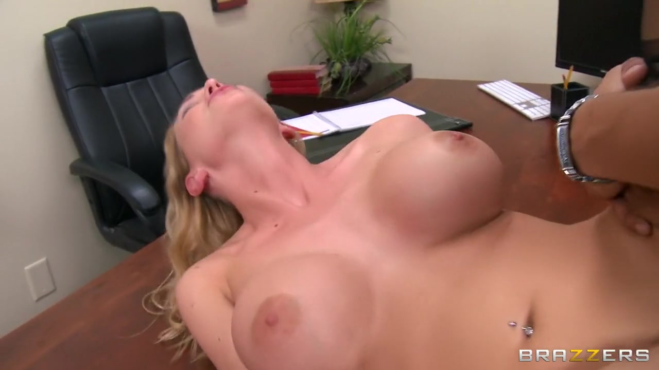 XXX Video Blonde fuck photos