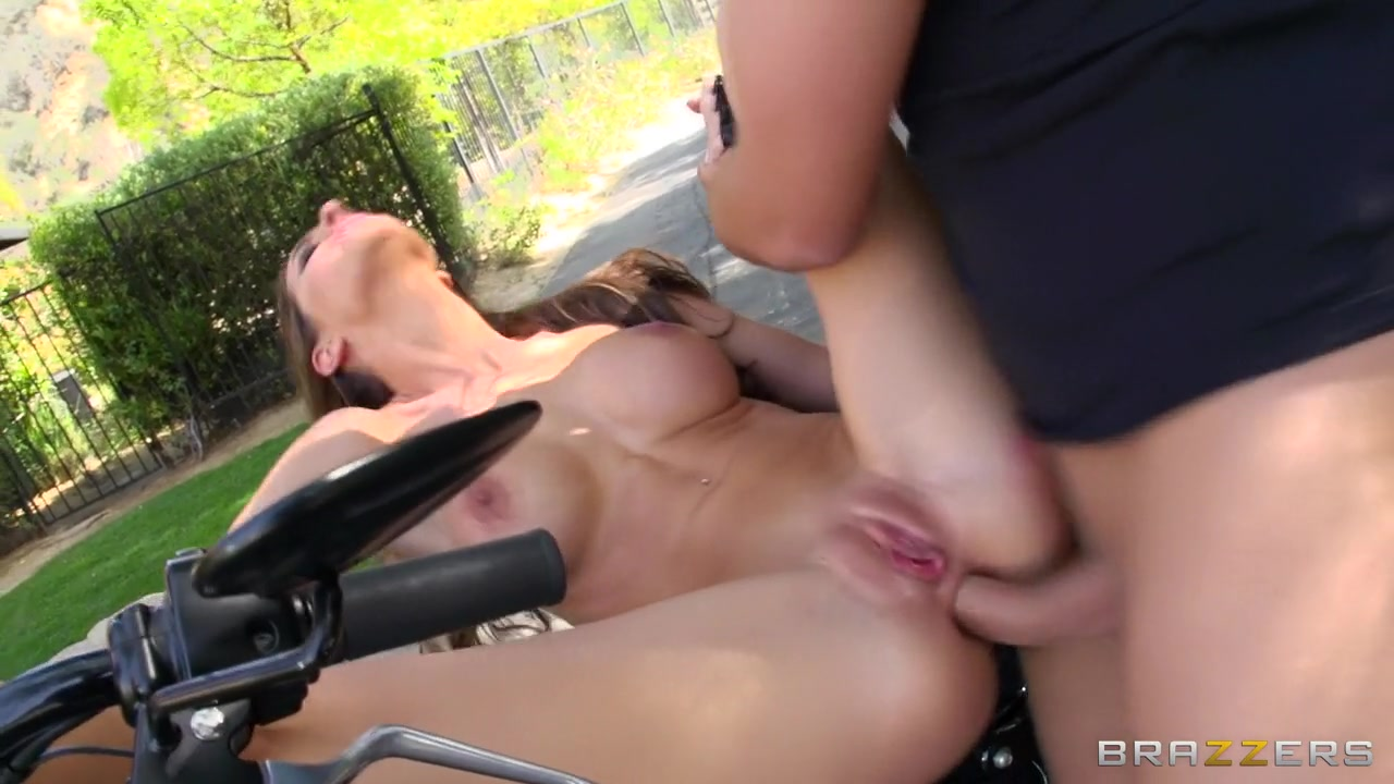 Sexy xxx video How to give the perfect head job