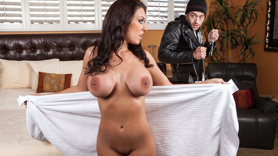 Dyke Gal Likes To Control Cutie Snatch Naked Pictures