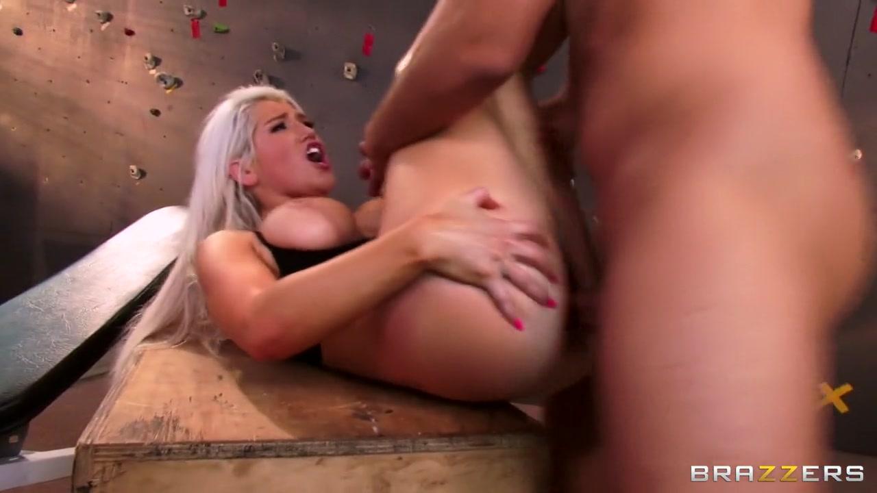 Porn galleries Nude pictures of noureen dewulf