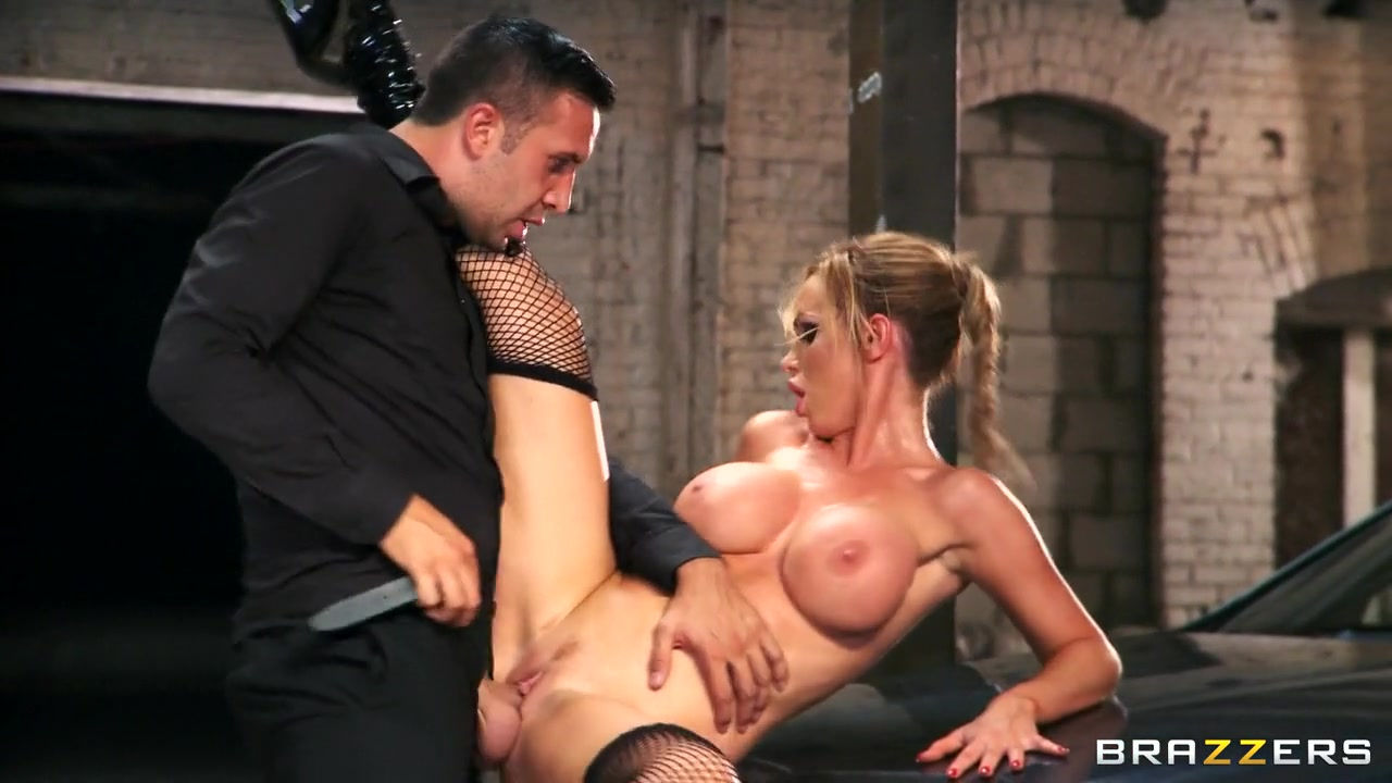 Amaizing busty brunette having fun pounding Porn Galleries