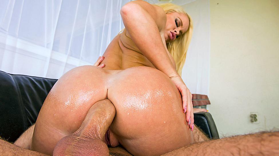 Porn tube Sexy latina sucking dick