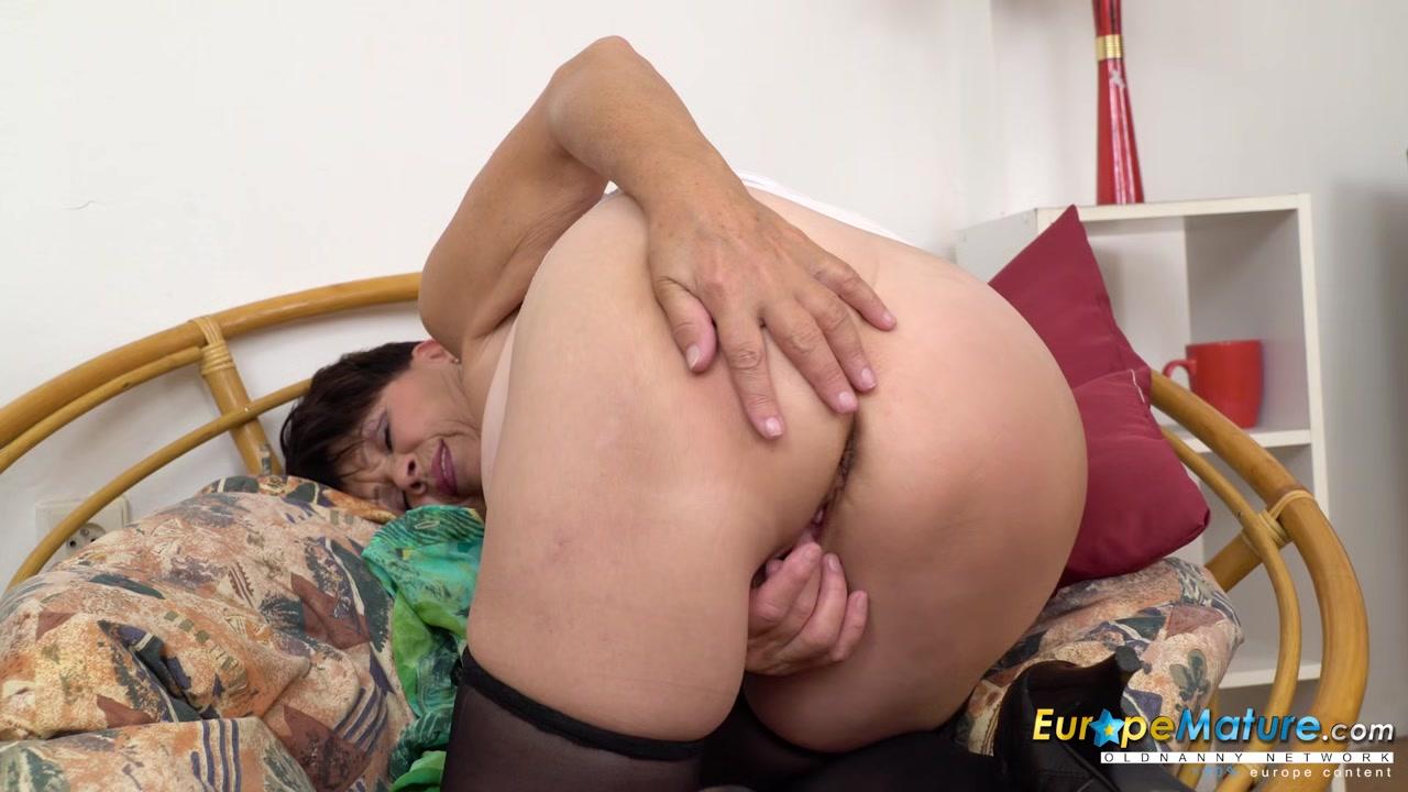 Nude 18+ Redhead cheerleader black dick