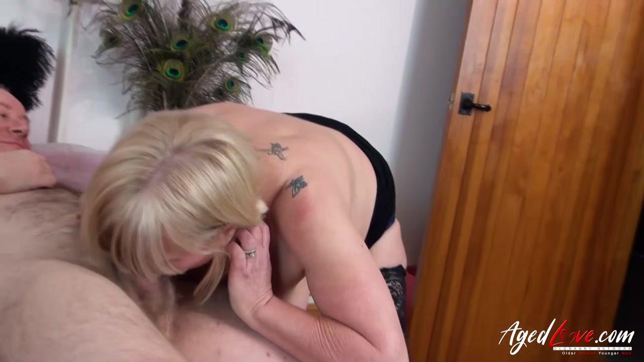 girls using big strap on dildos Naked xXx Base pics