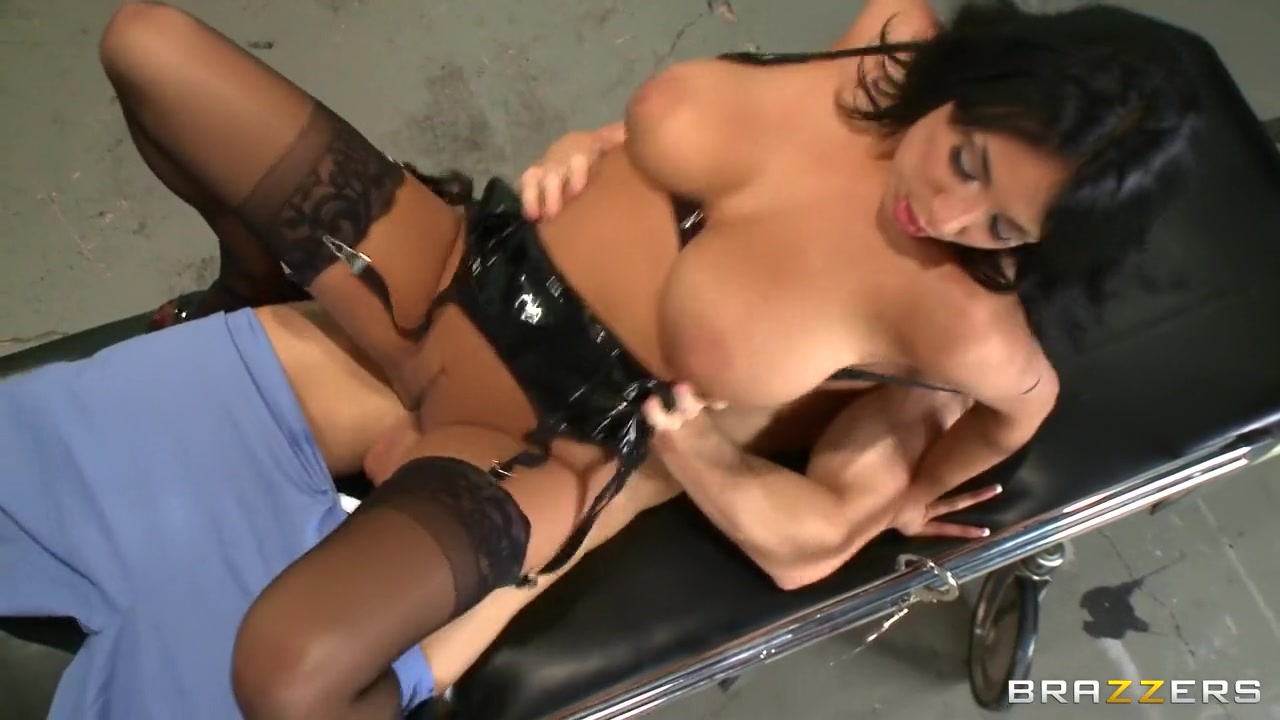 Naked Porn tube Chubby mature using two toys to masturbate