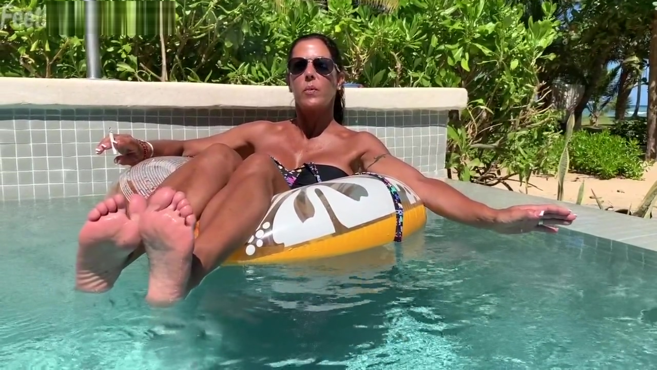Brooke Ryan is Barefoot & Smoking while relaxing in her pool! Best hookup site for retired professionals action
