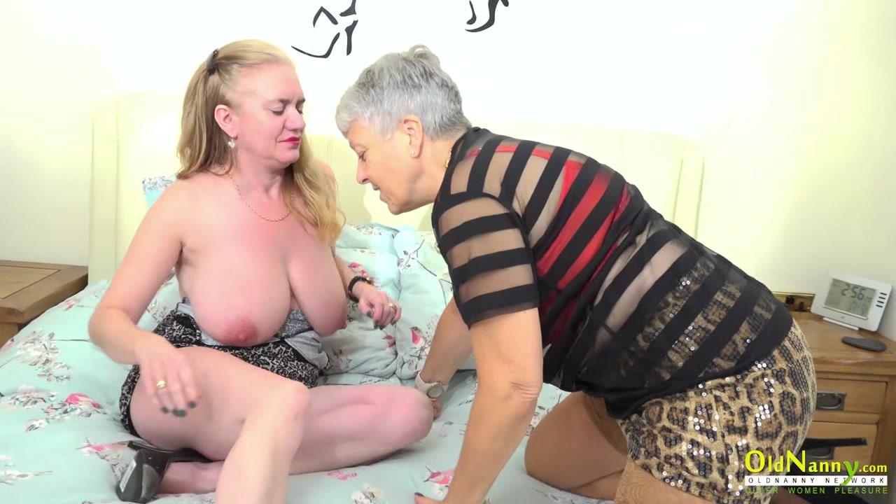 German lesbo closet licking pussy
