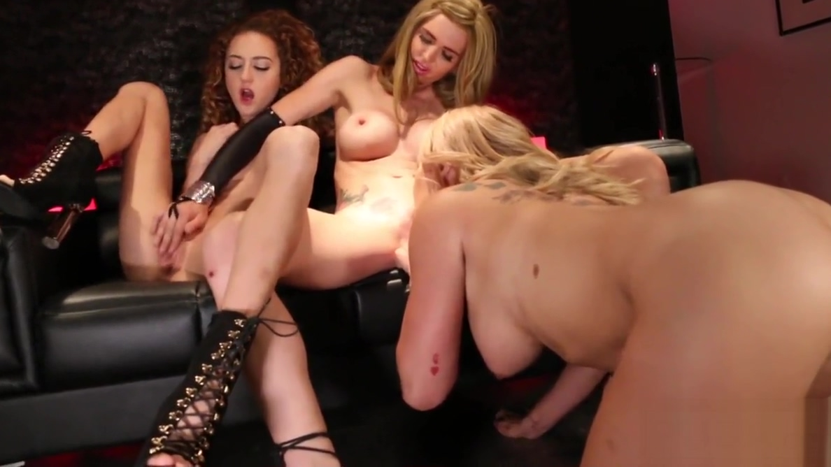 New Sorority girls have show off their bodies to their house Vintage Porn Com