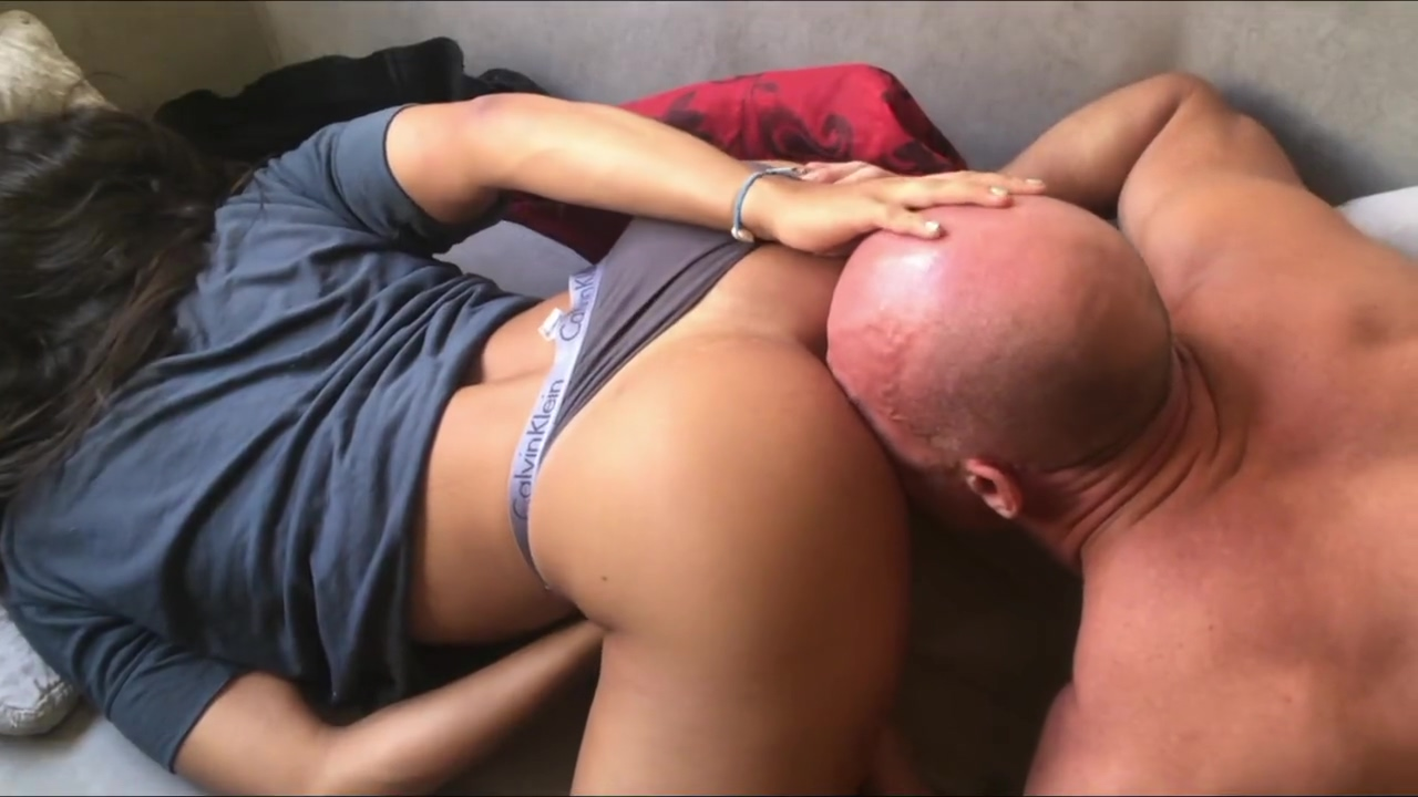 Fit Girlfriend Fucked Hard in the Morning - Amateur Couple Big cocks for bitche mature