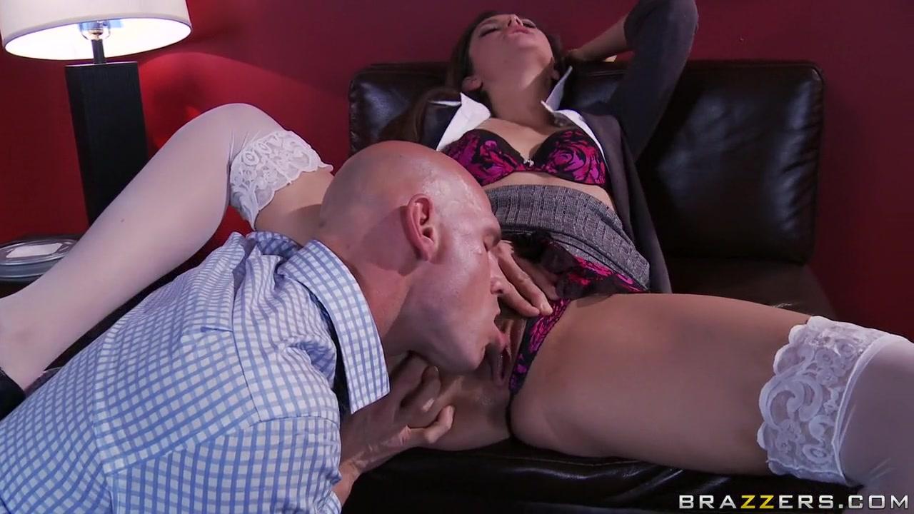 Hot xXx Pics Amateur Latina Sucking A Big Dick