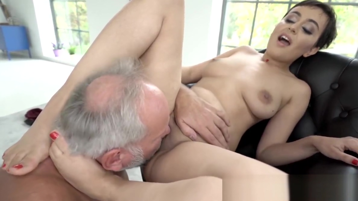 Feet worshiped babe makes grandpa cum like never before