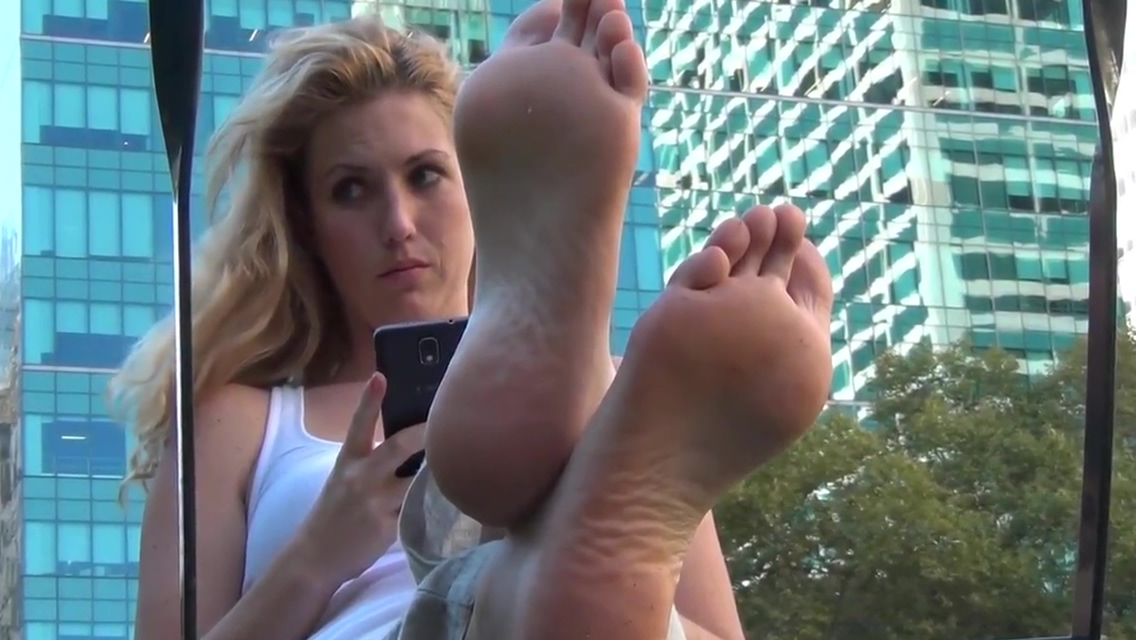 Sexy Feetfetish Soles The league dating app price