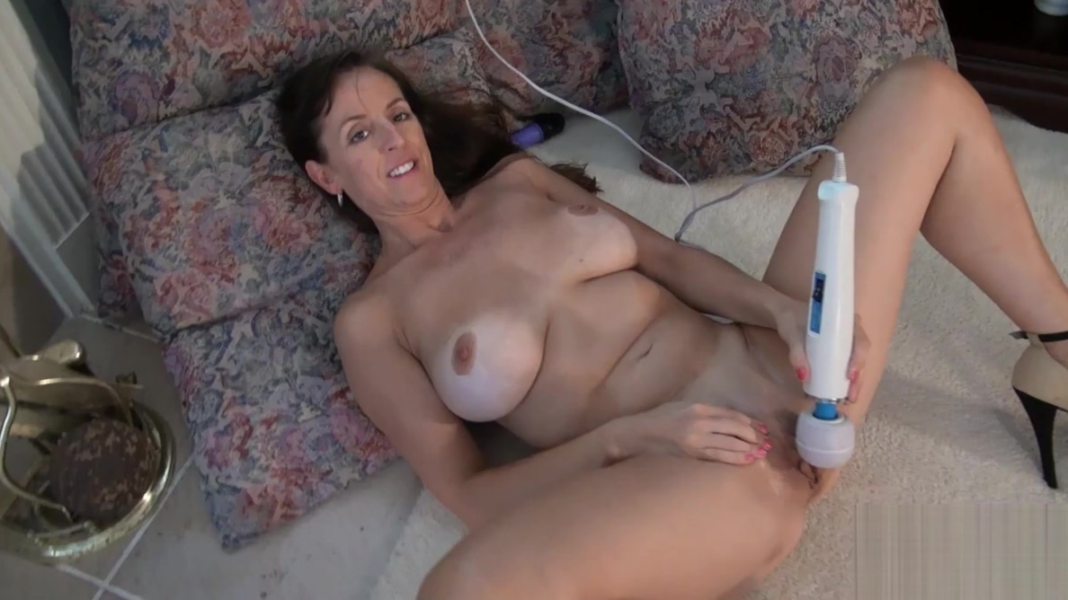 USAwives Collected Best Solo Matures Pictures Pinkest tightest asshole