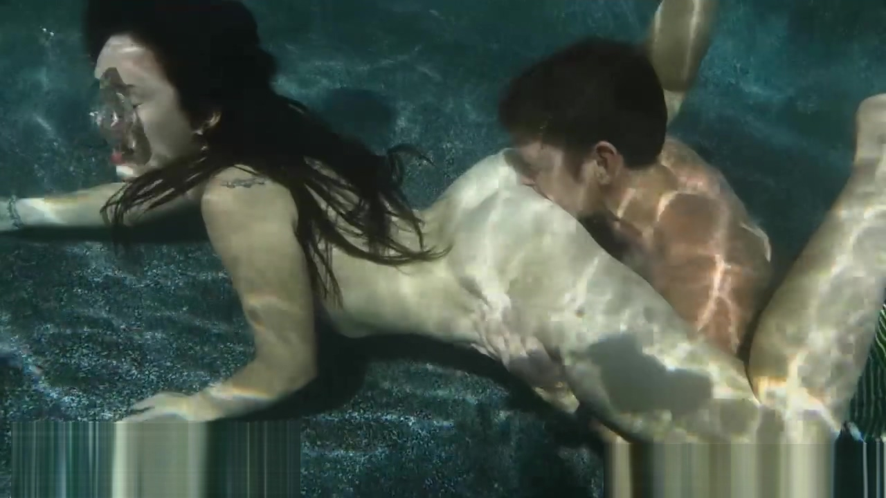 underwater - evelyn - squealer Gorgeous milf Margo Sullivan loves to fuck