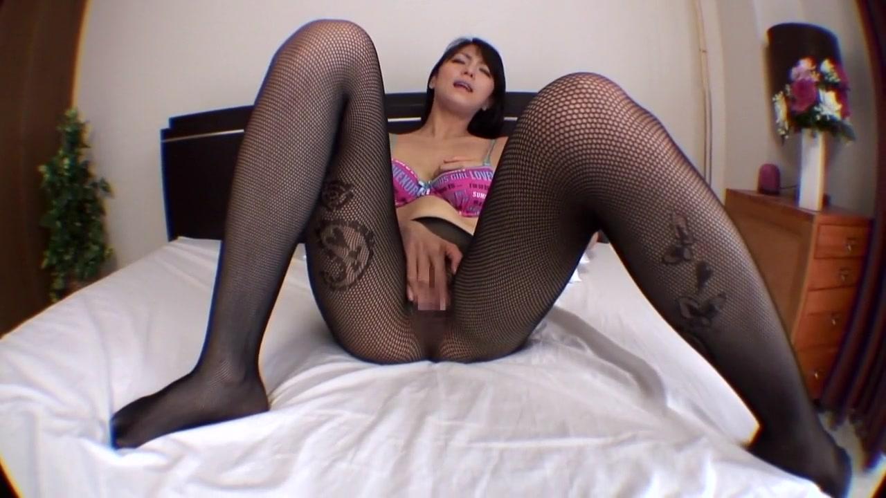 Amater wife masturbates XXX Photo