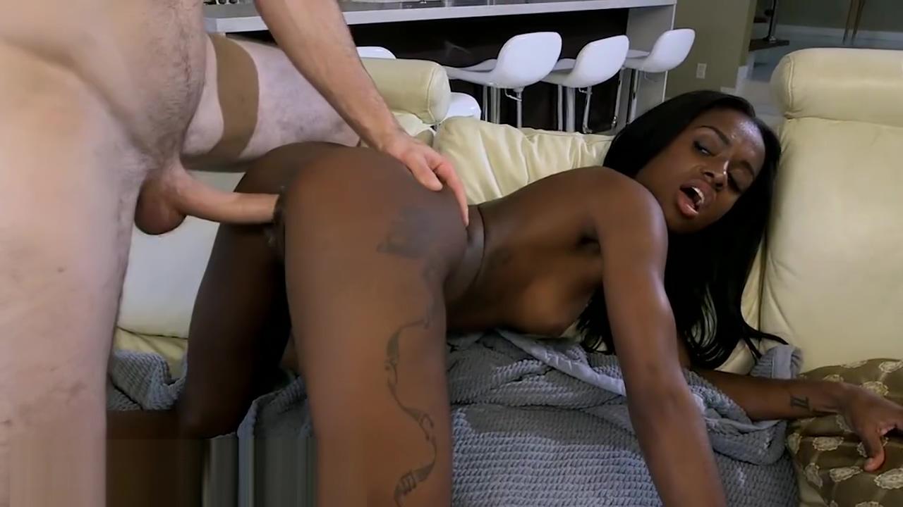BANGBROS - Lexxi Deep Has a Sweet 18 Year Old Ebony Ass (bbe12149)