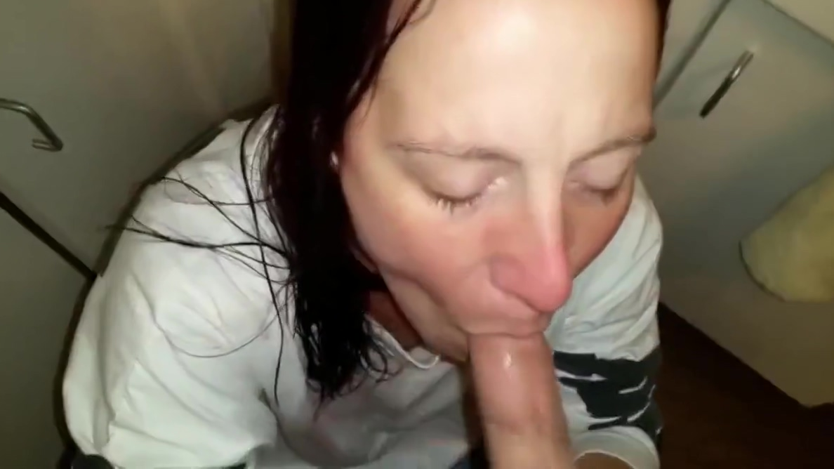Holly Sucks Out Two Loads Naked pissing girls