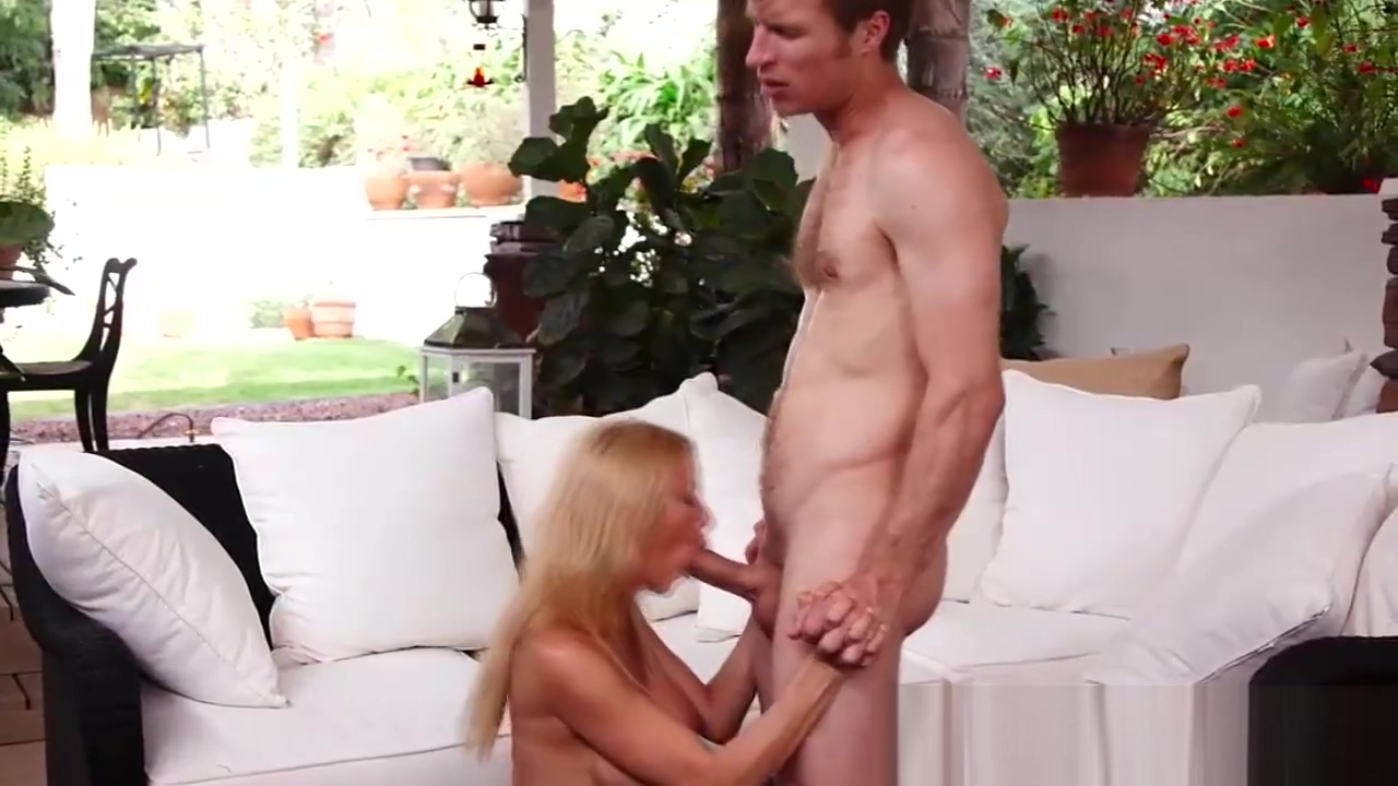 Super hot blonde MILF loves to fuck hard Free gymnist hairy pussy video