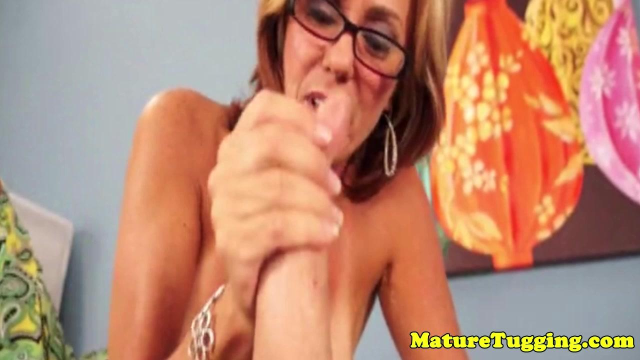 XXX Video Bubble butt milf pounding