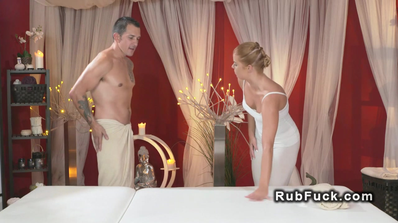 Naked xXx Big white dick blog